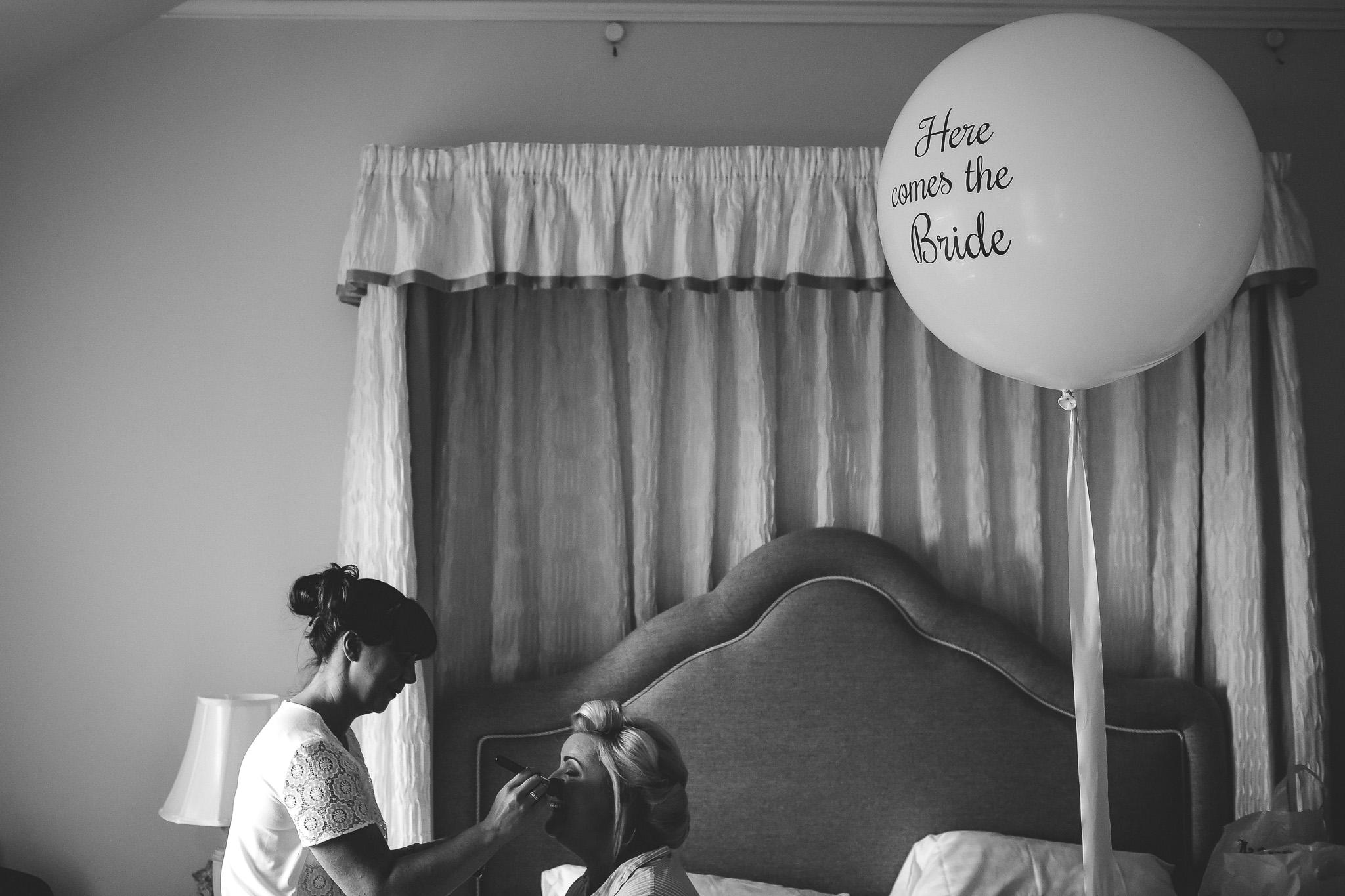 Bride with a balloon