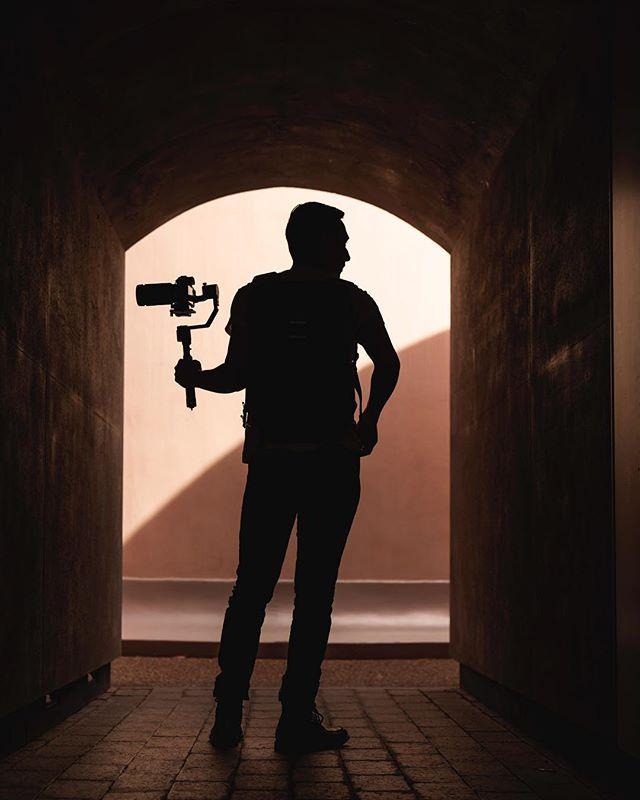 New frame of mind 🤔 💭 • • • • • • 📸: @kevthephotographer  #creativeshot #cityunit #sonyalpha #zhiyun #createcommune #artofvisuals #sanfrancisco #bayarea #illgrammars #urbanexploration #gameoftones #heatercentral #deyoungmuseum #visualgrams #citykillerz #createexploretakeover #justgoshoot #travelgram #filmmaking