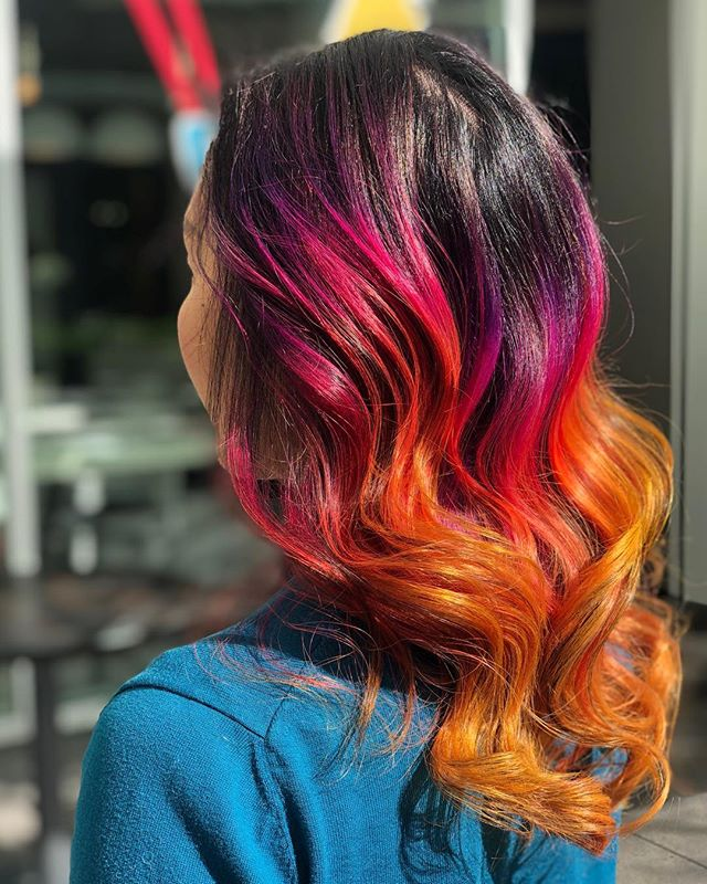Tahitian Sunset 🌅 This perfection happens when Cherine gets creative freedom! 🤩 #hookandscissor #sunsethair #sanfranciscohair #pulpriot #creative