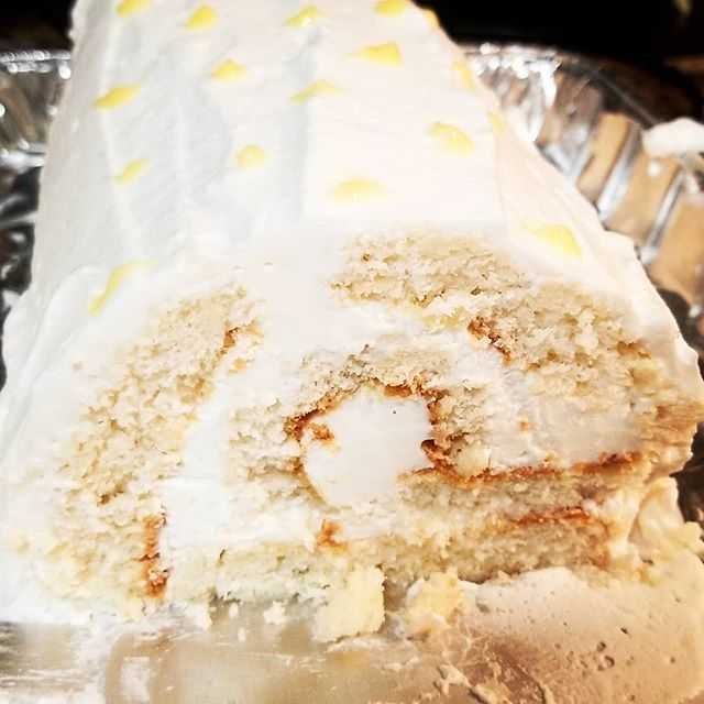 Moscato Swiss Roll with lemon curd. The roll broke a little, but nothing a little moscato whipped cream couldn't fix. . . . . .  #baking #homemade #sweet #swissroll #swissrollcake #sweettooth #sweets #desserts #pastry