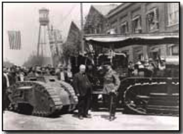 Early model Tank with the Holt Tractor - image courtesy of First World War website