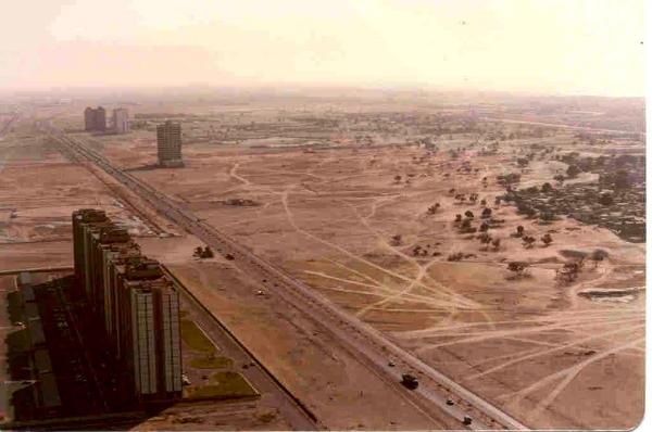 Dubai 1991. Image courtesy of http://uaecommunity.blogspot.com.au/2005/10/dubai-then-and-now-1991-vs-2005.html
