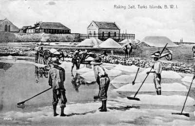 Raking salt around 1900