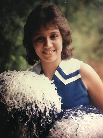 Sue.Cheerleader,Waiākea.jpg