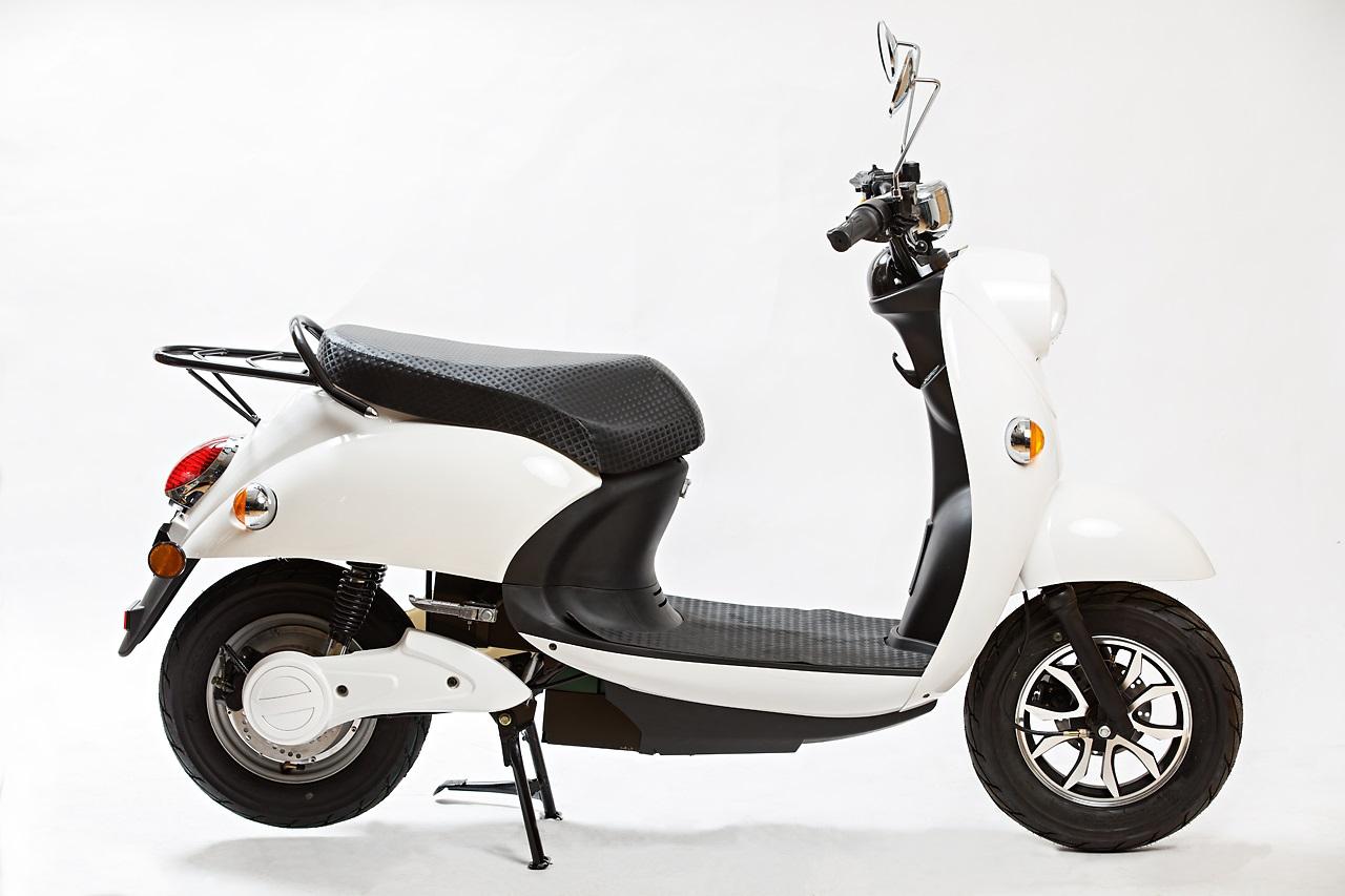 Agva Scooter white.jpg