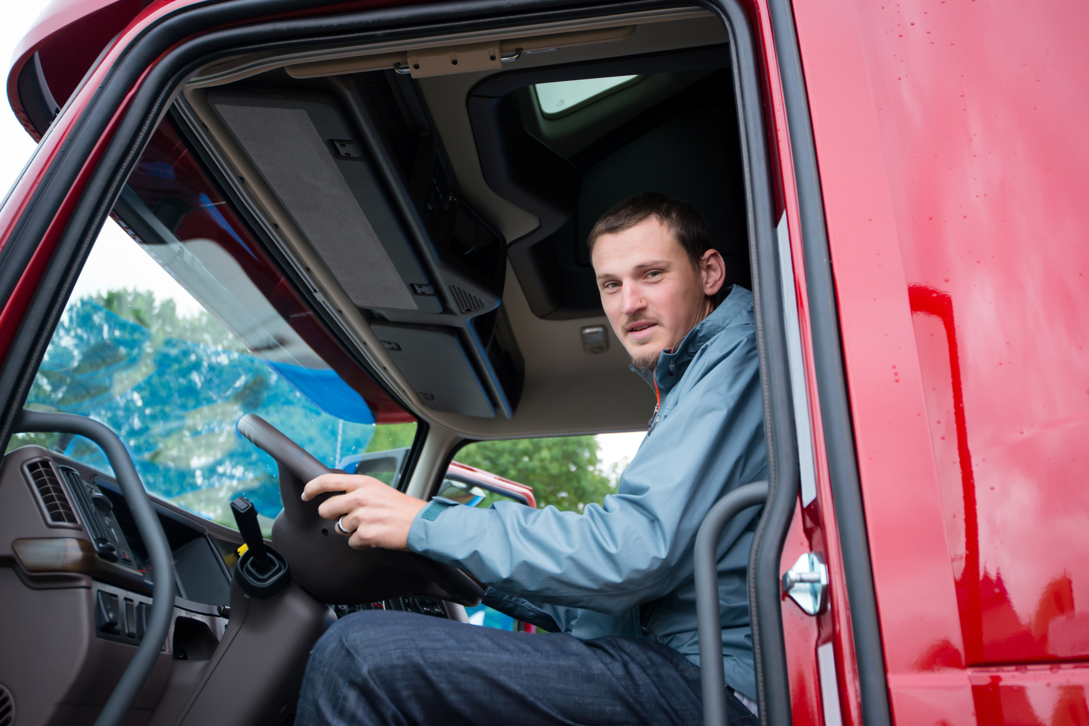 This new Senate bill will create a pathway for younger interstate truck drivers.