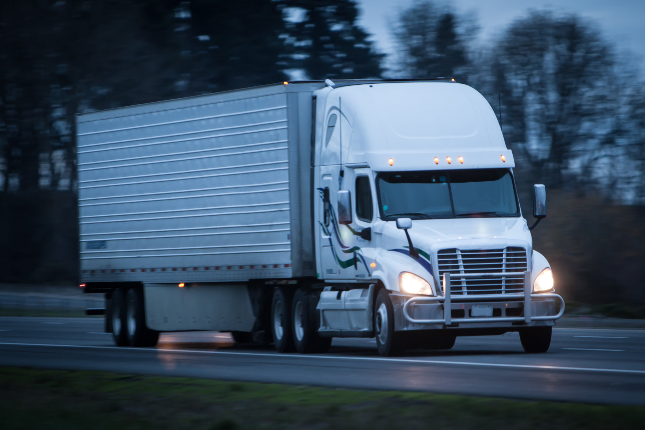 Multiple company drivers testified during the trial that the employer required them to drive in excess of HOS regulations and instructed them to falsify log books to cover up those violations.