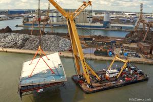 tilbury-port-crane-turn.jpg