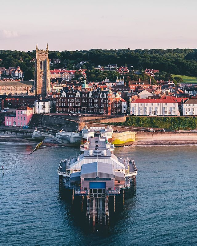 Are there many better sights more beautiful than a summer sunset?? We think a visit to Cromer is a must if your planning on watching the sunset this summer. 🌅 . . . . #cromer #cromerpier #norfolk #northnorfolkcoast #visiteastanglia #dronephotography #dronestagram #beach #sunsets #pier #seaside #summer #inspire2 #aerialphotography #dji #dronetechnology #solstice #panorama #aerialpanorama #beautiful #dronesdaily #dronesaregood