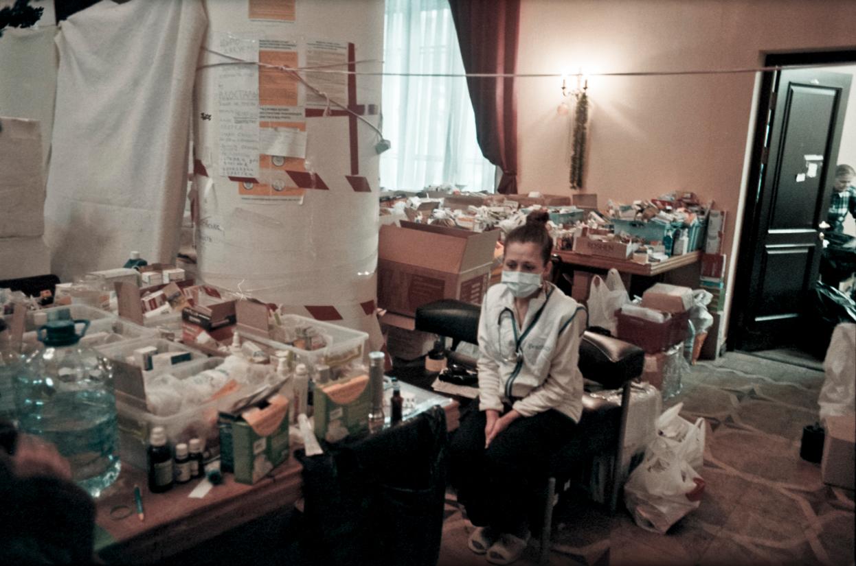 © Sam Asaert - Nurse awaiting patients
