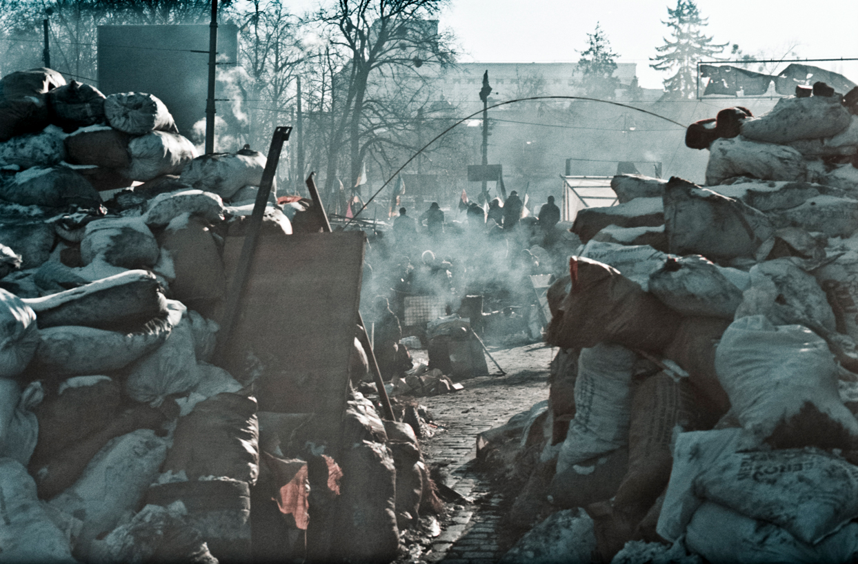 © Sam Asaert - Through the barricades