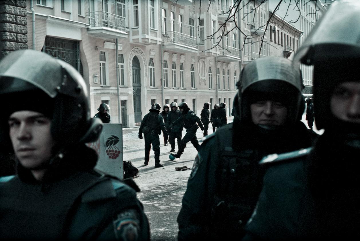 © Sam Asaert - Riot Police Plays Football