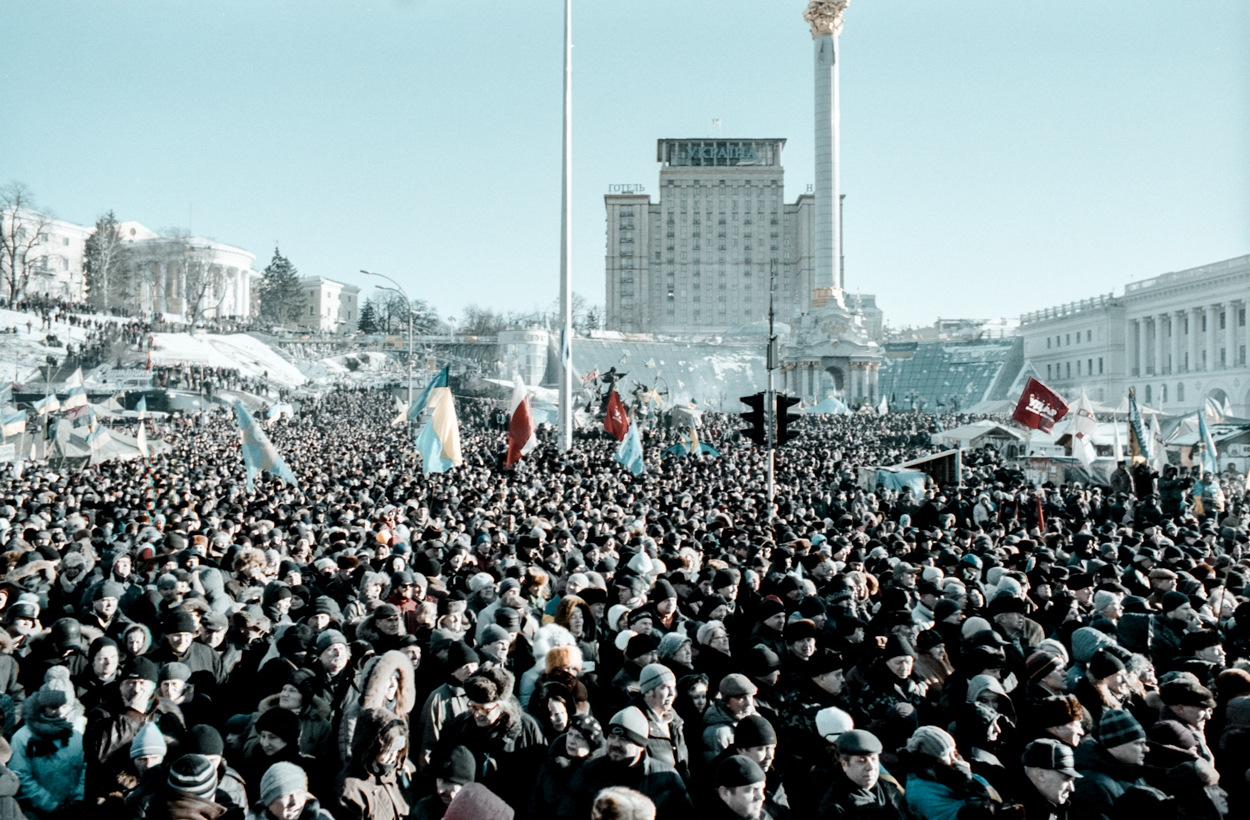 © Sam Asaert - Manifestation on Independence Square