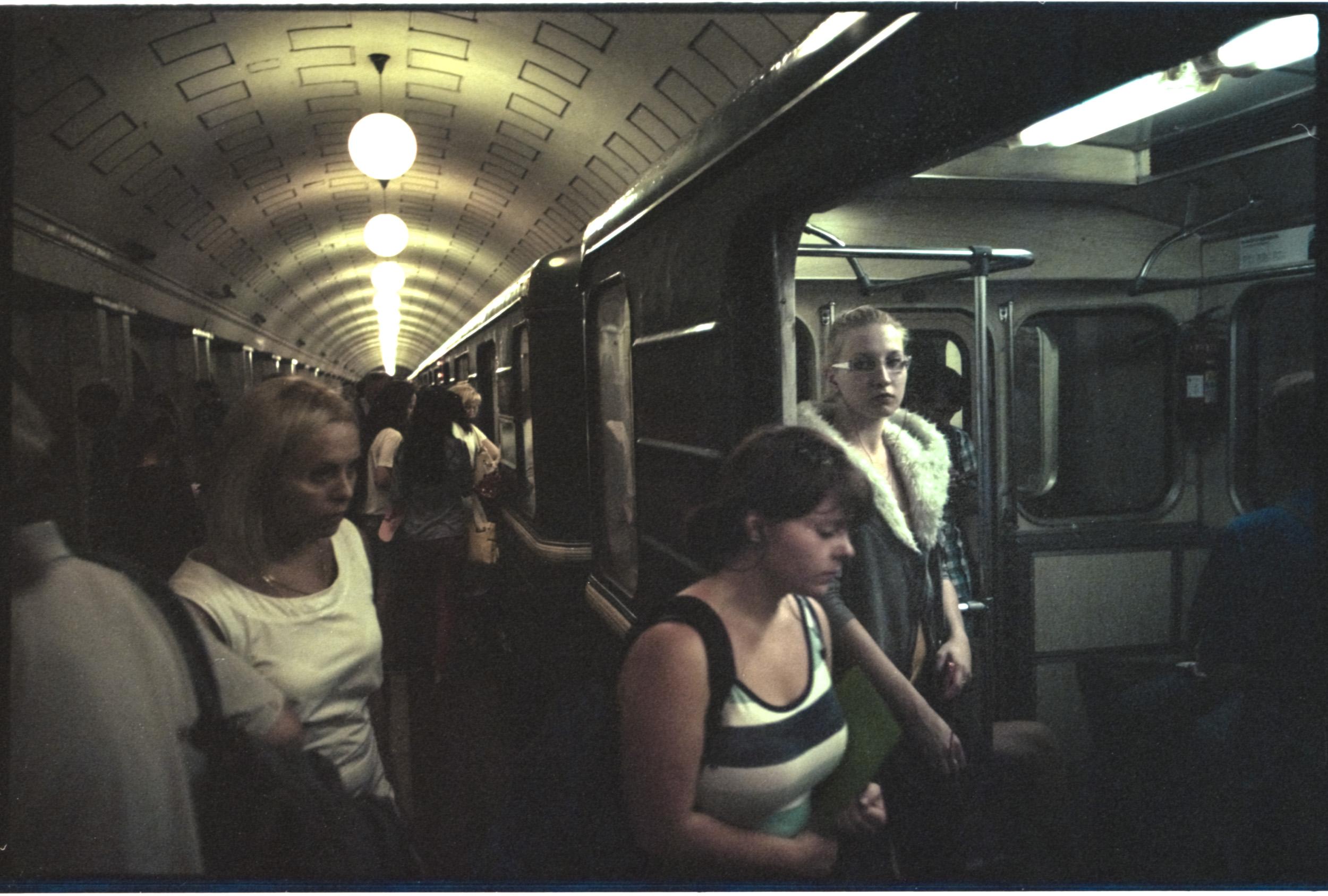 Russian+Metro-2 © Sam Asaert.jpg