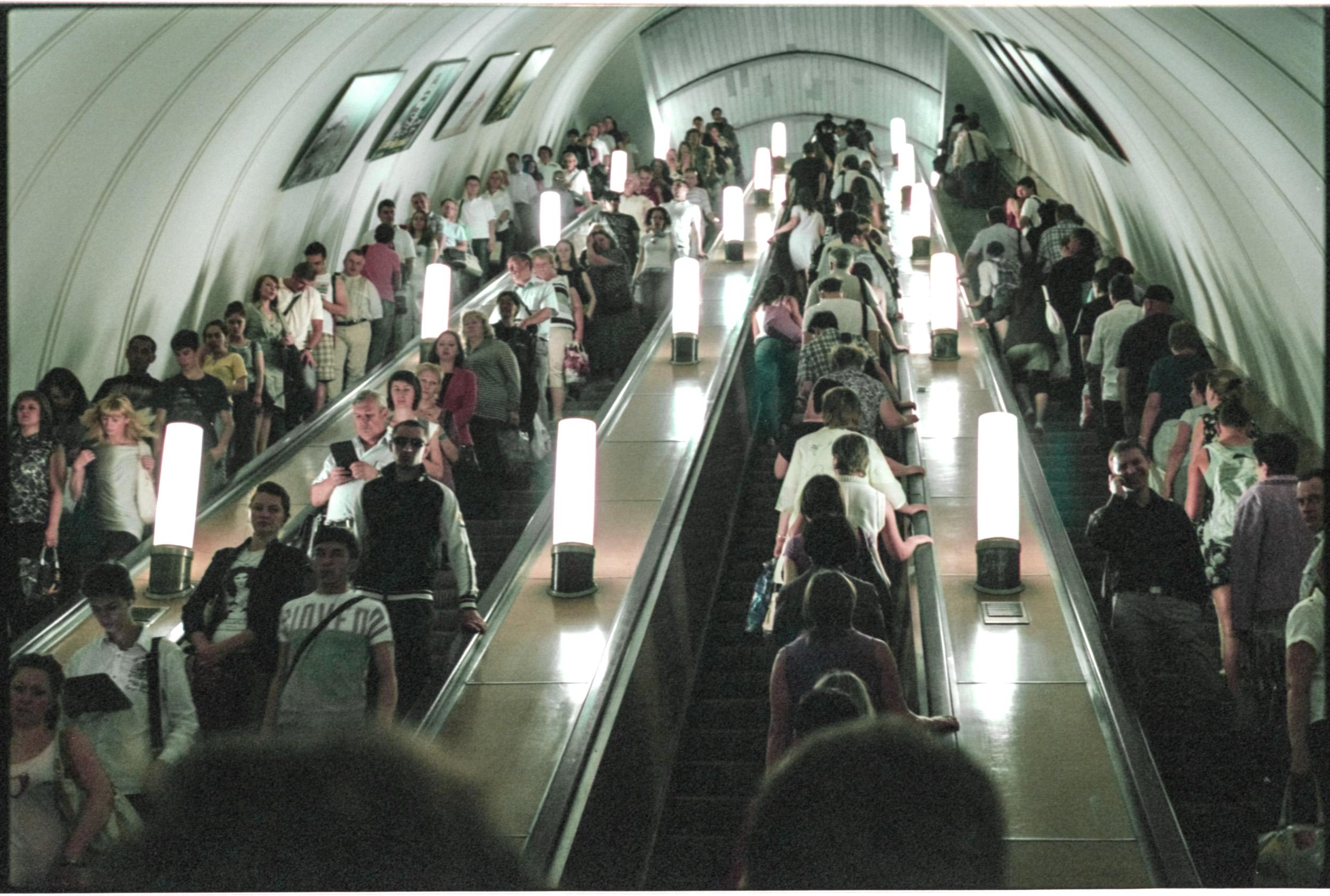 Russian+Metro-9 © Sam Asaert.jpg
