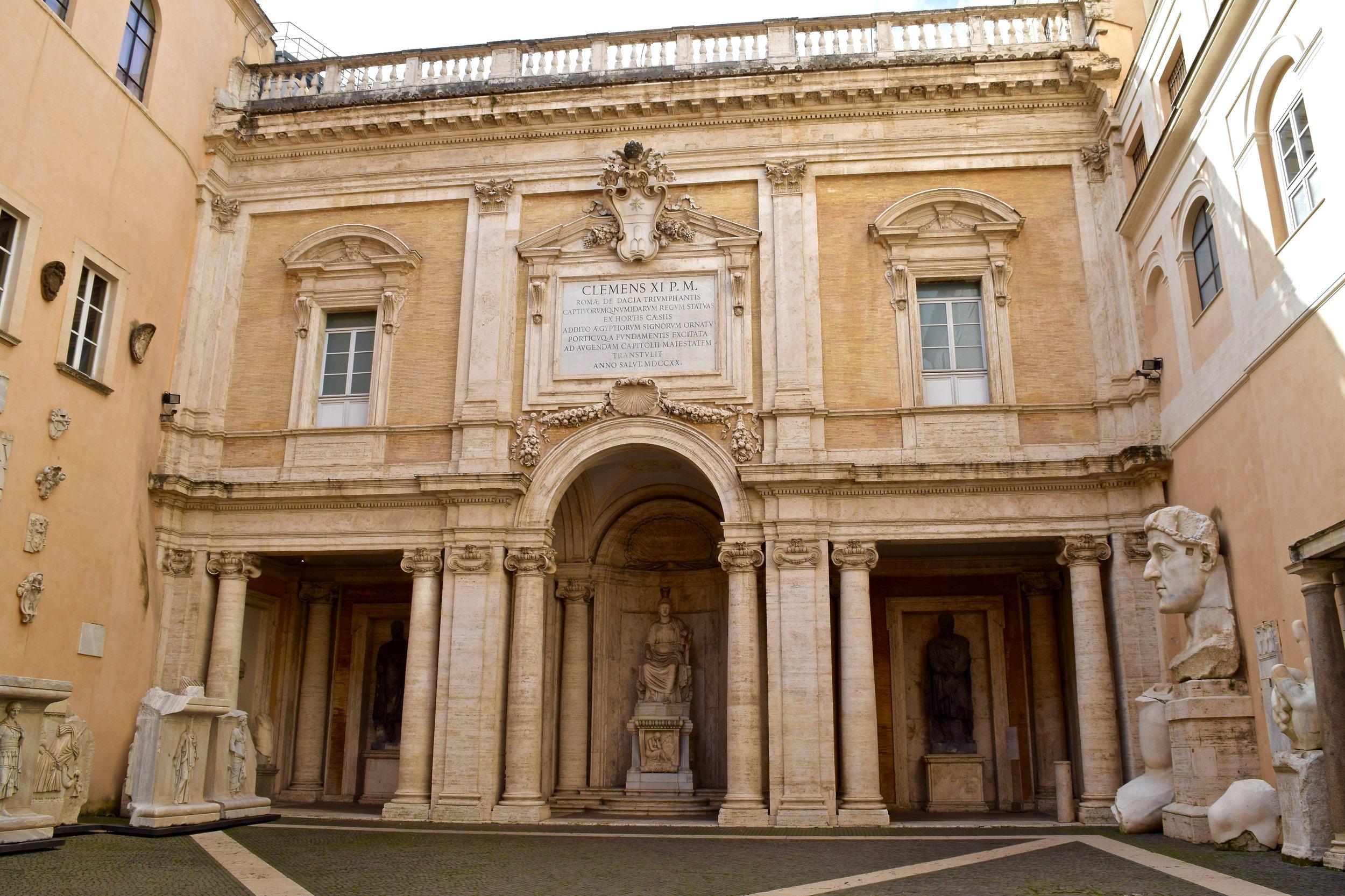 Patio de los Museus Capitolinos