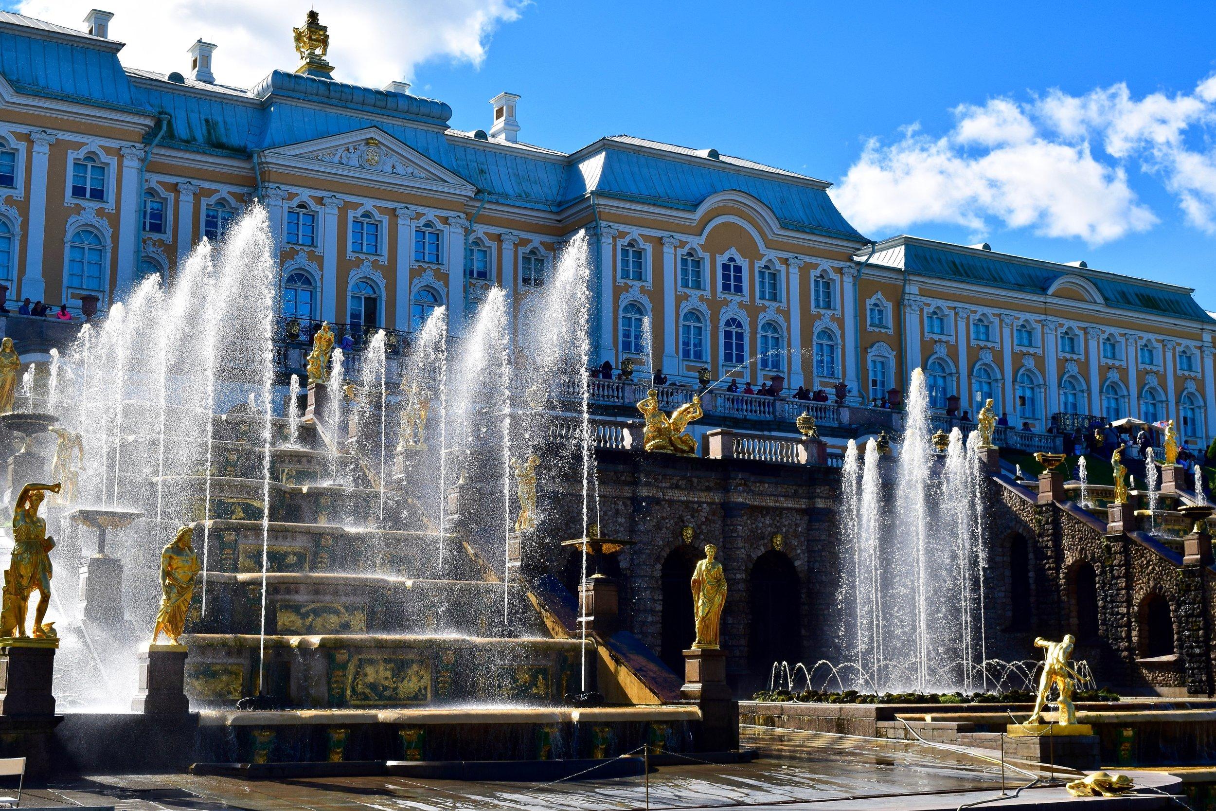 Palacio y fuentes de Peterhof