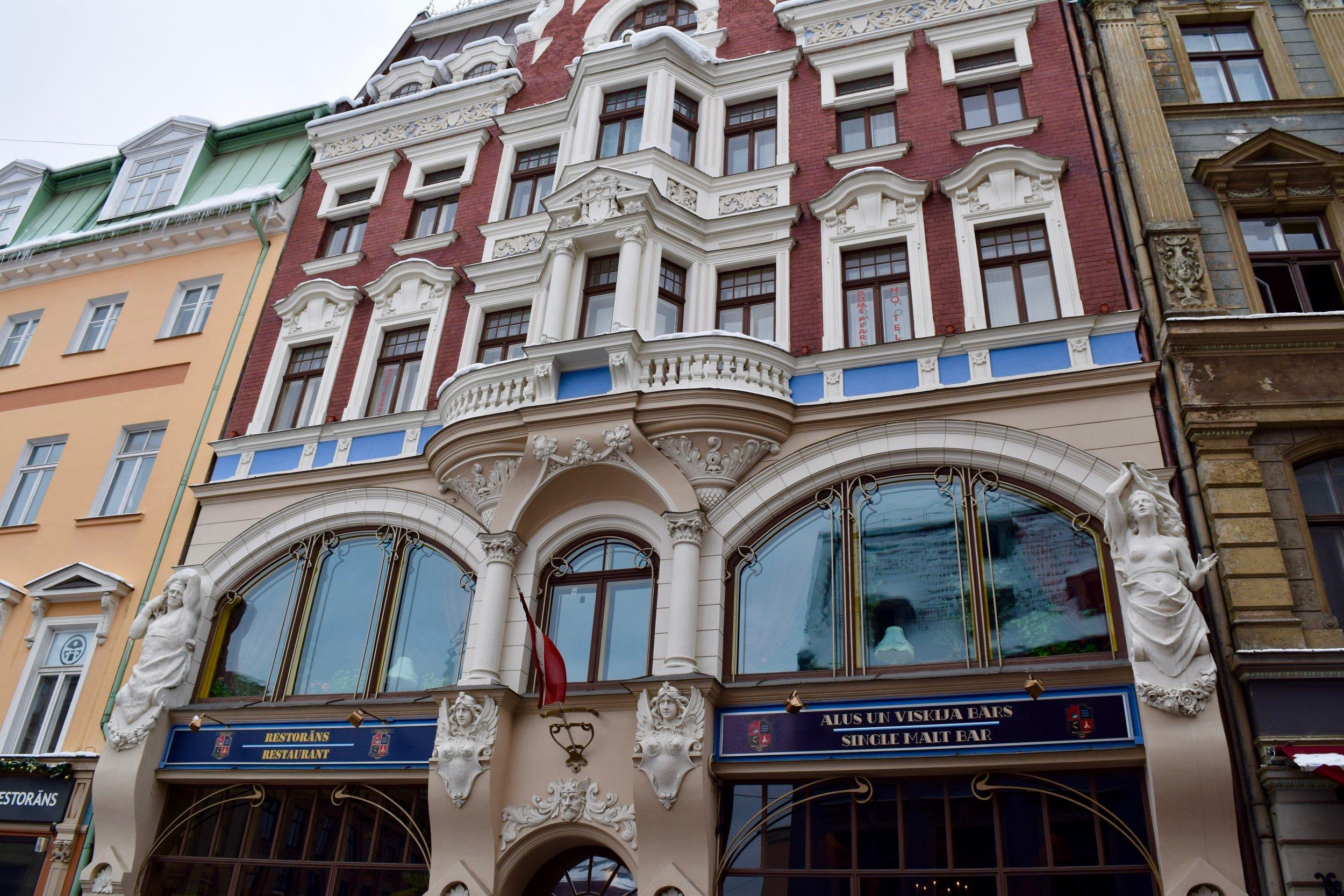 Edificio junto a la Plaza de la Catedral
