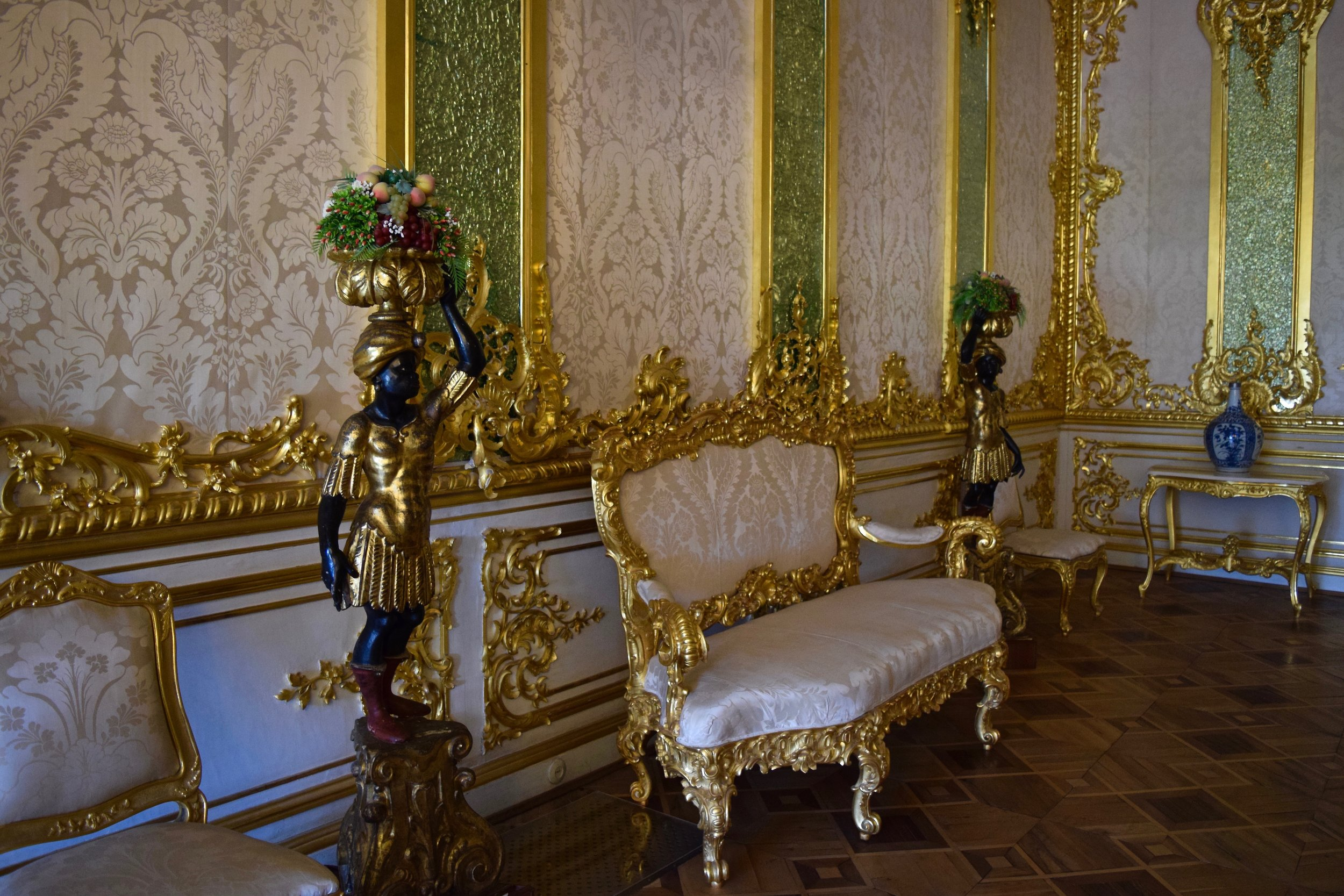 Room inside the palace