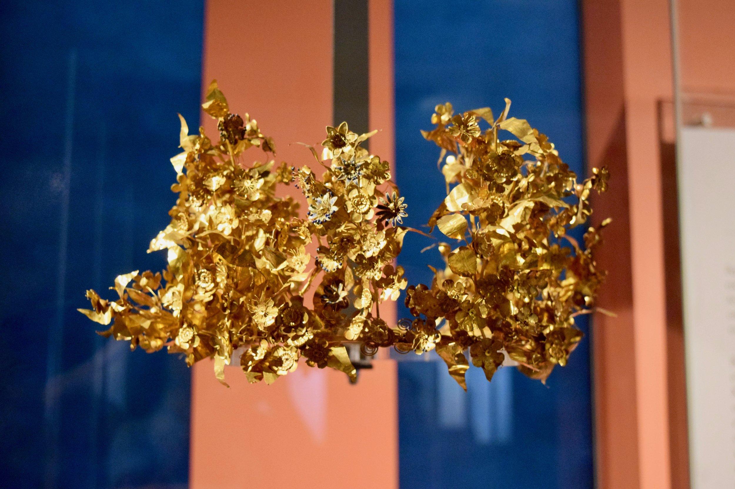 Gold myrtle wreath
