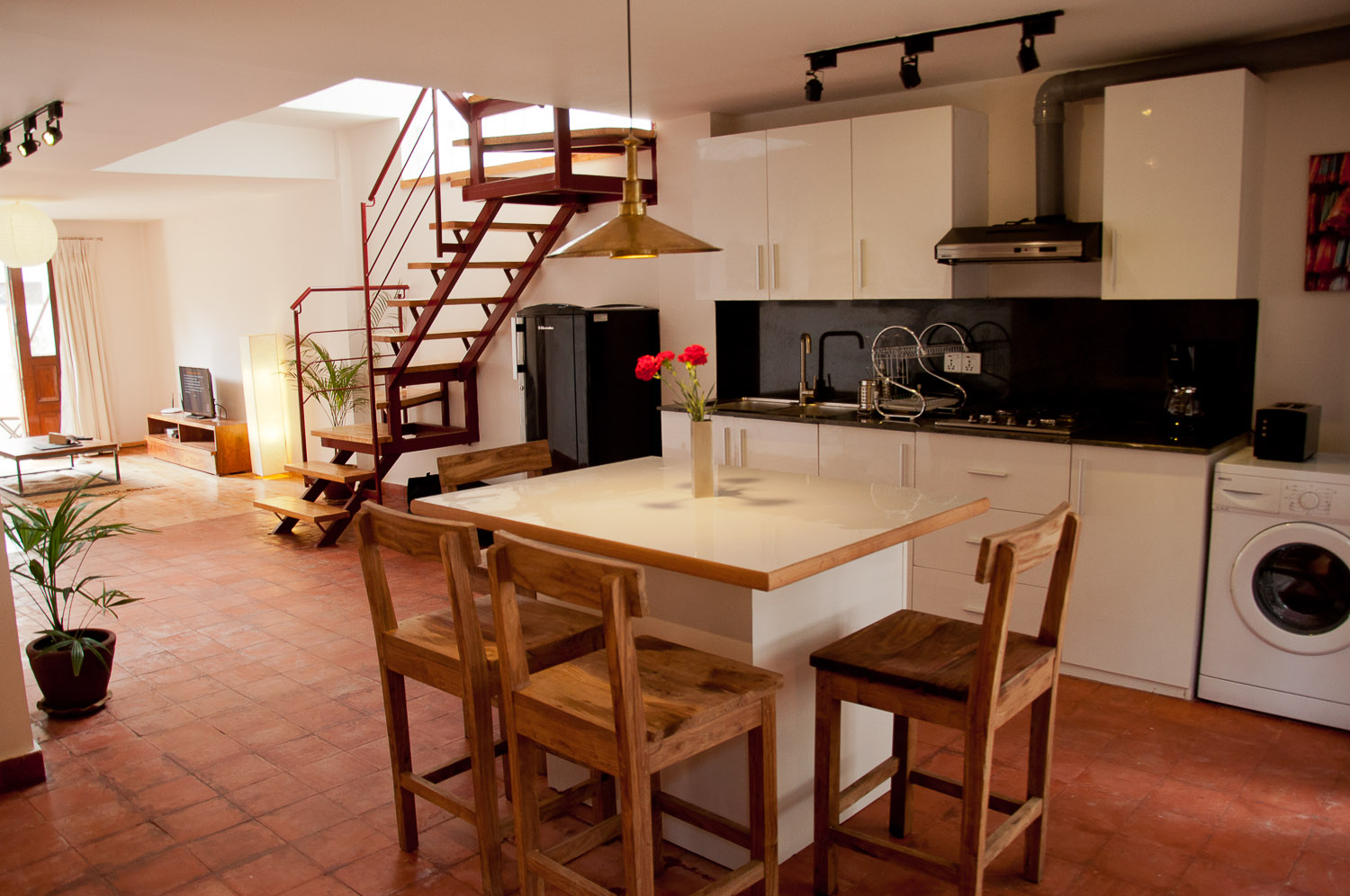 Well equipped kitchen, guest will also have their own private washing machine.