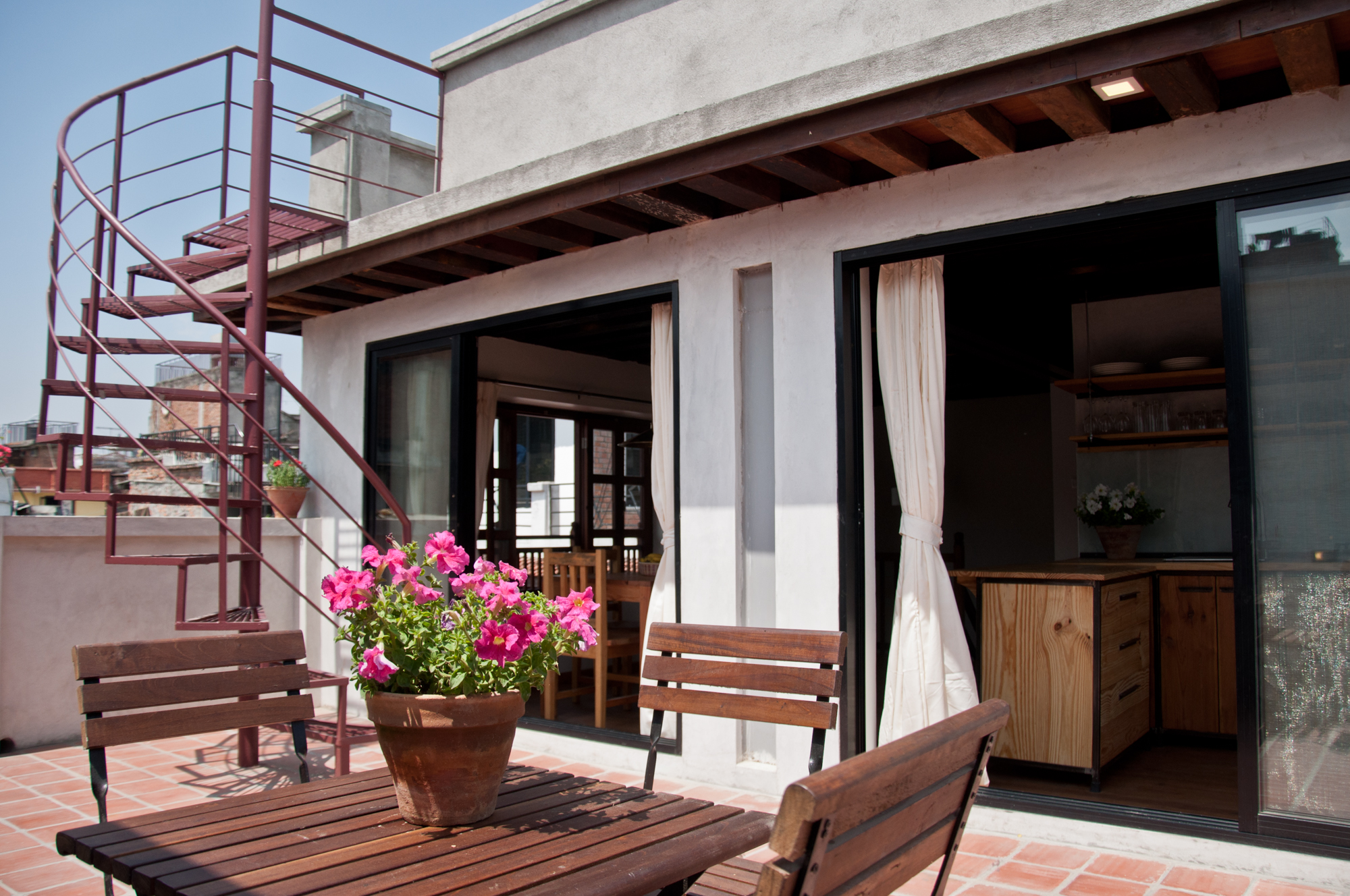 Private roof terrace, directly attached to the kitchen/ dining room.