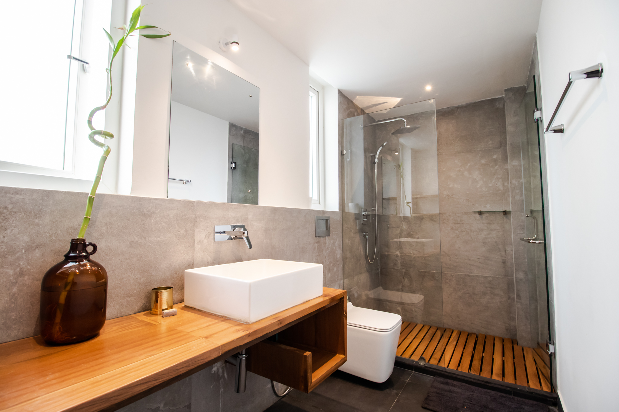 Well equipped-attached bathroom to twin bedroom.