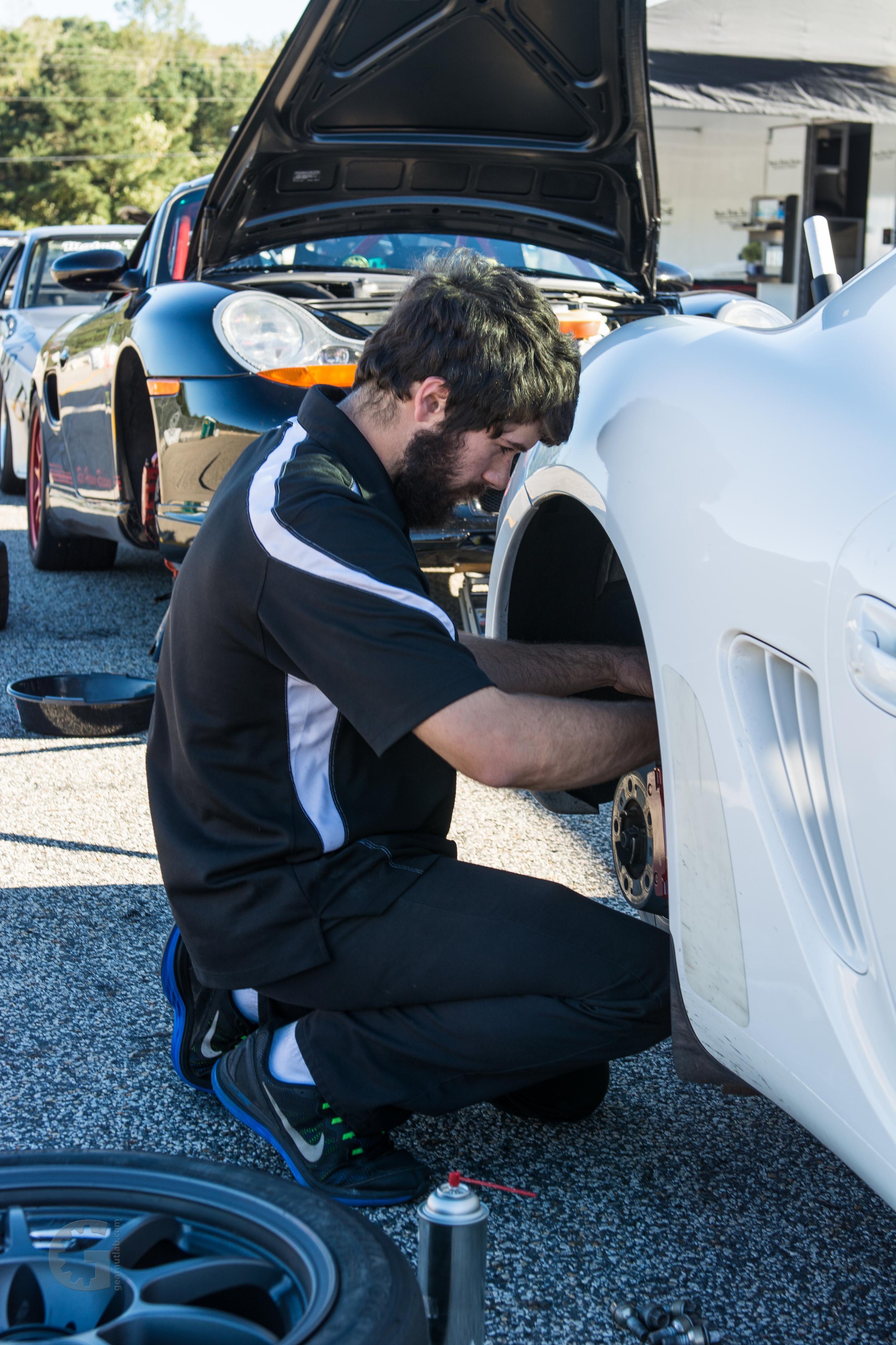 Motor Werks Racing Porsche Cayman Track Services