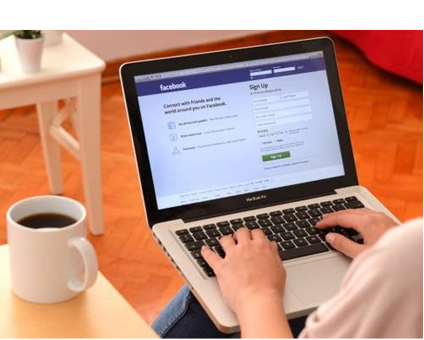 Você sabe o que seus consumidores gostam e querem ver no facebook? - A chave para aproveitar ao máximo as mídias sociais é saber como o seu público reage às suas ações, às ações da concorrência e ao mercado em geral. Depois de obter esses dados, você pode realizar análises e, finalmente, alcançar inteligência de mídia social;Usando todas essas informações para conhecer melhor seus clientes e melhorar sua estratégia de marketing.