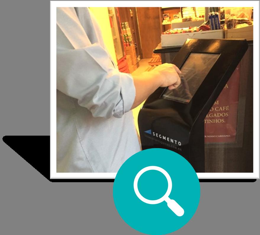 1) Colete informações no ponto de venda - Totens de pesquisa digitais com visual moderno e com possibilidade de customização com a marca da sua empresa são colocados no ponto de venda, captando informações dos clientes sobre os principais aspectos do seu negócio.