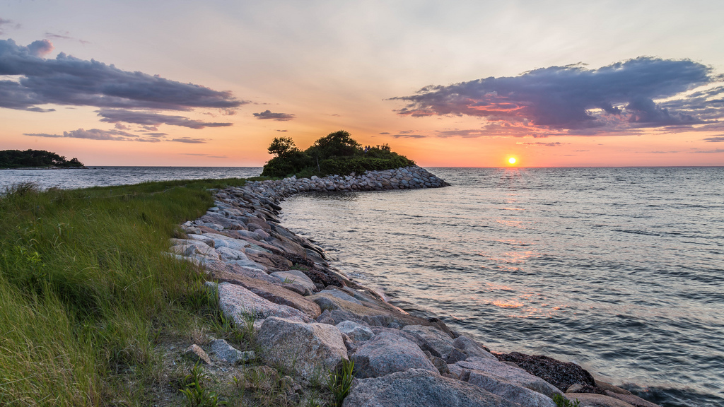 Take a hike out to the Knob – Perfect for kids, hike the one mile trail to get out to the Knob. When you get there, be prepared for magnificent views of Quissett Harbor and Buzzards Bay.