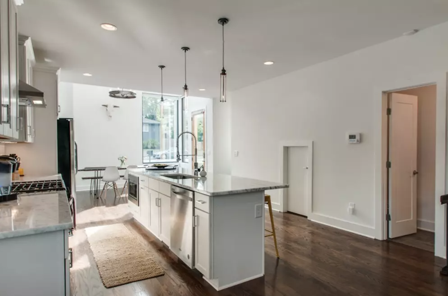 airbnb home rental in nashville.png