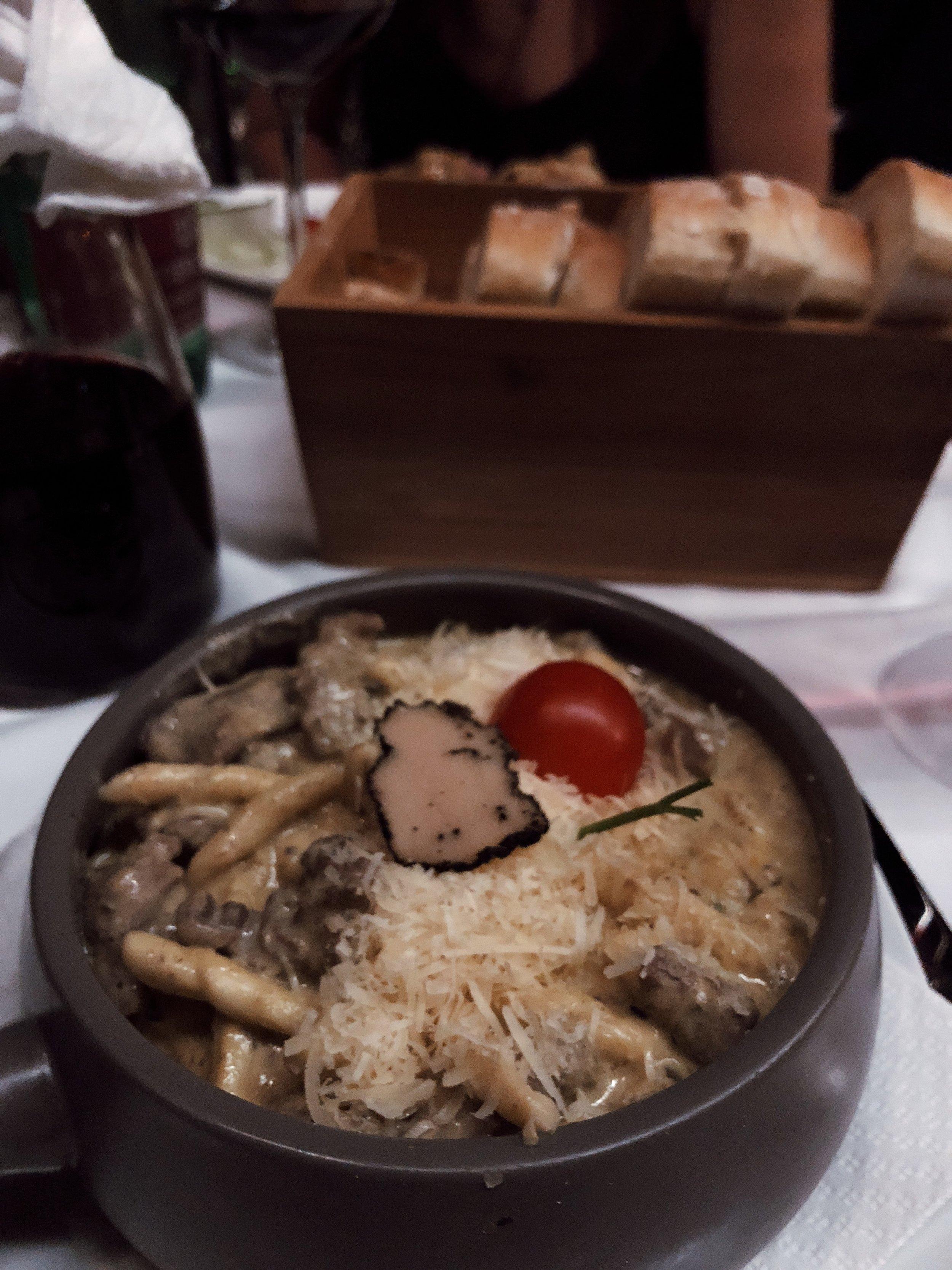 truffle steak pasta from passarola.JPG