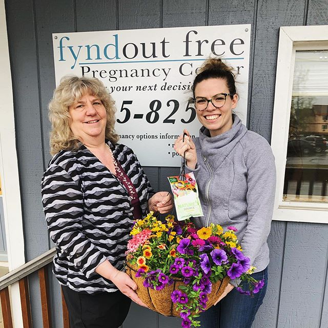 Today was Joann's last day volunteering as a client advocate, she brought us a gorgeous hanging plant! Thank you Joann for your hard work and dedication to our clients and this ministry! You will be missed!💜💚