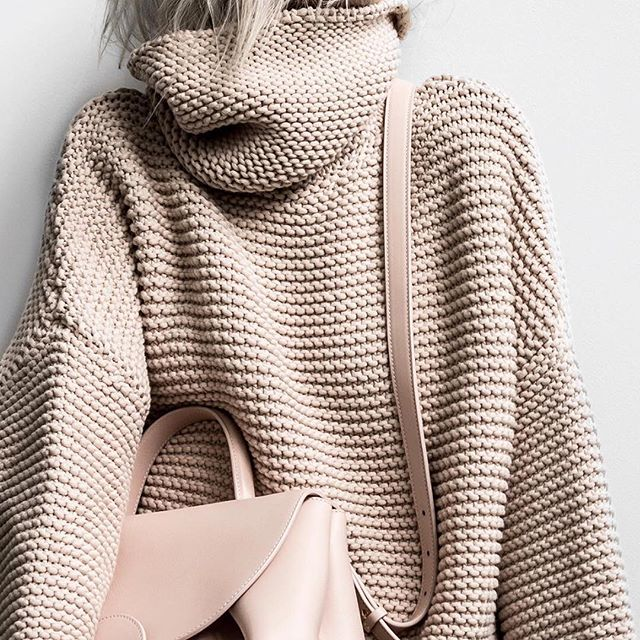 Perfect winter weather style! ❤️ (via @figtny)