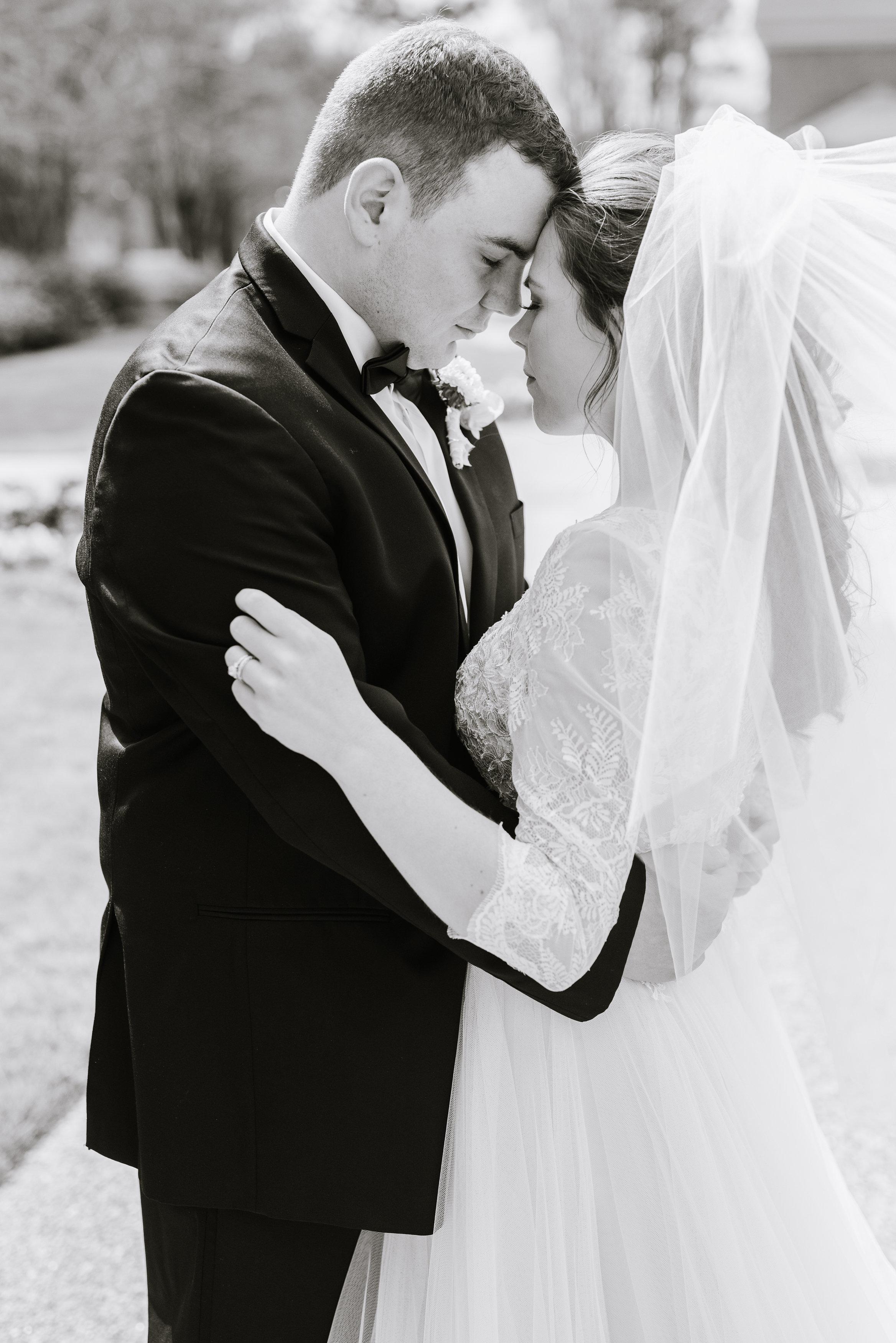 tylar-seth-wedding-330.jpg