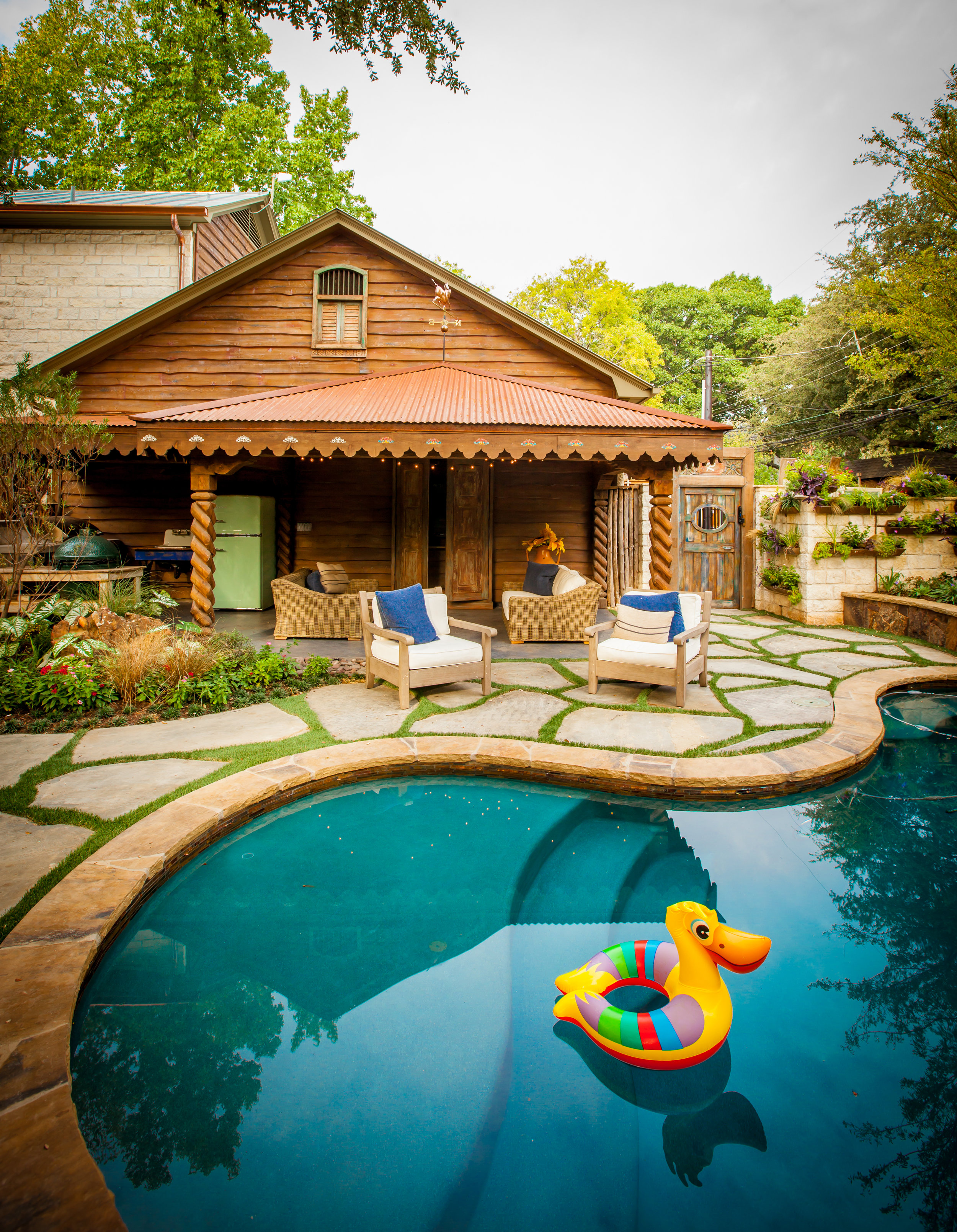 CARUTH- Ext Pool with float.jpg