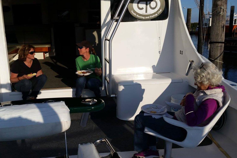 Lunch on the High return Sportfishing boat