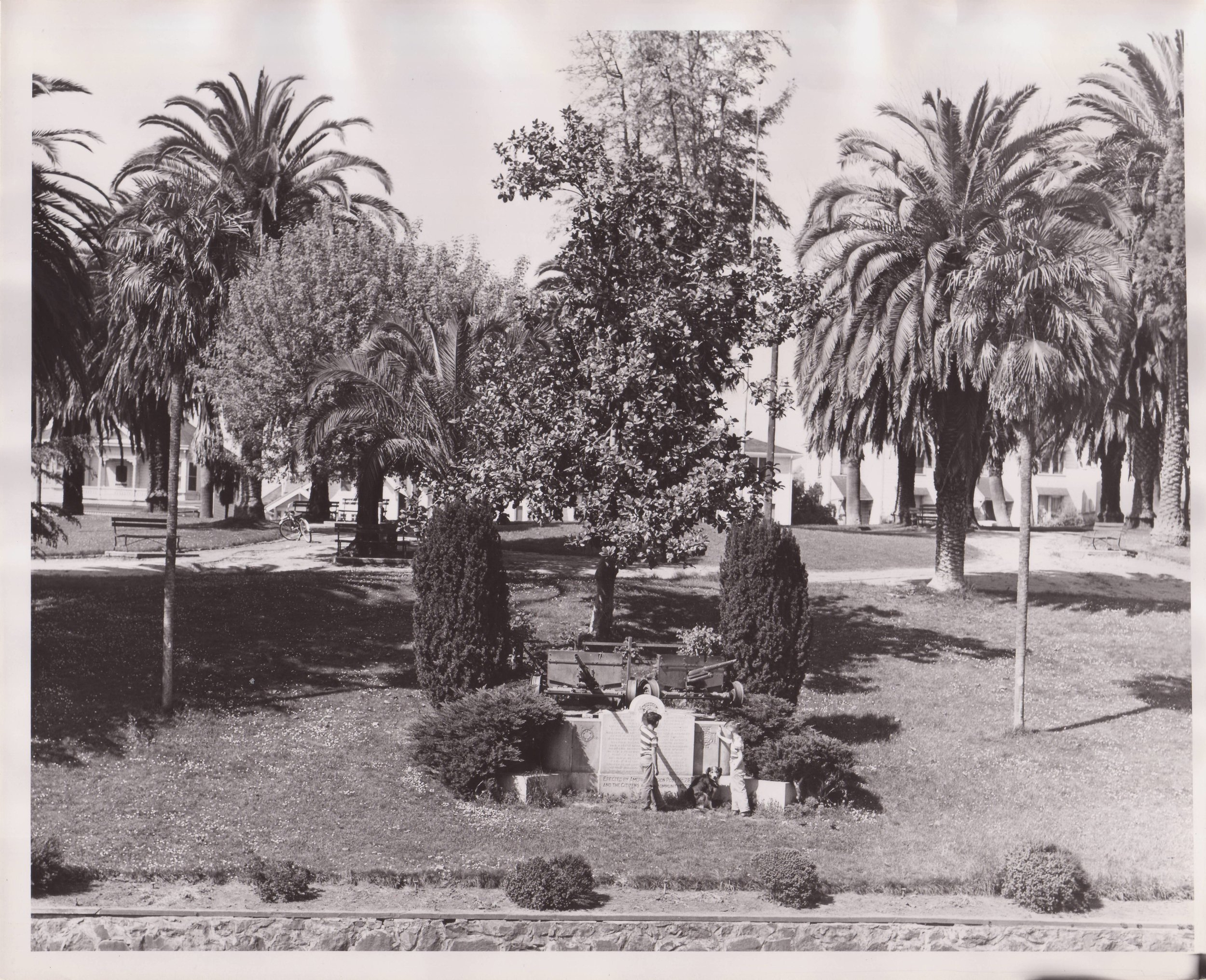 During WWII the first memorial cannon was sent away to be repurposed as part of the war effort. The later, WWII Memorial incorporated parts of the WWI Memorial. Photo courtesy of the Sonoma County Library.