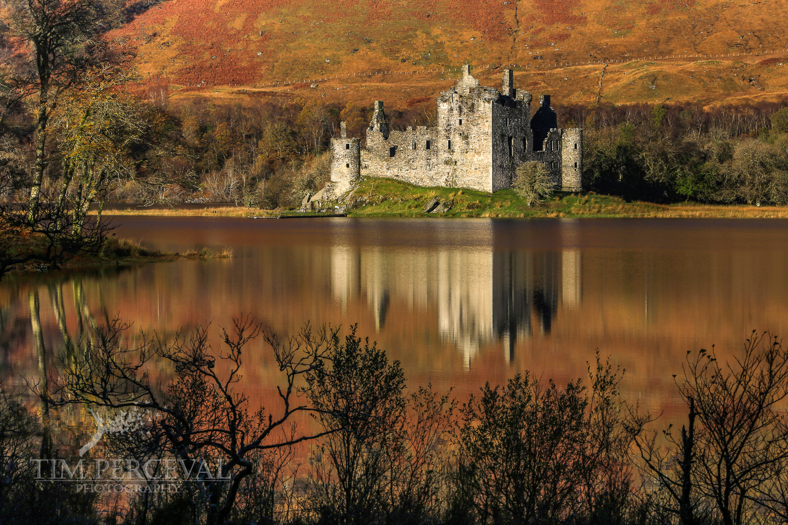 Kilchurn Castle reflection