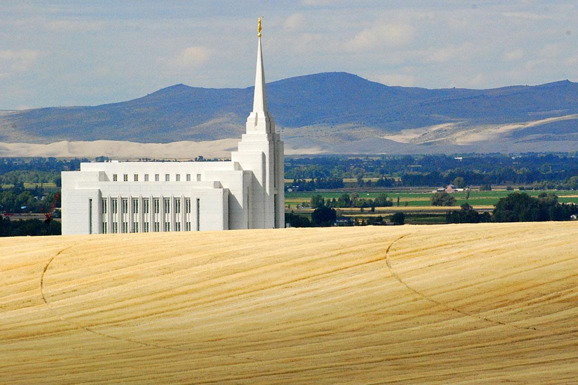 rexburg-mormon-temple104.jpg