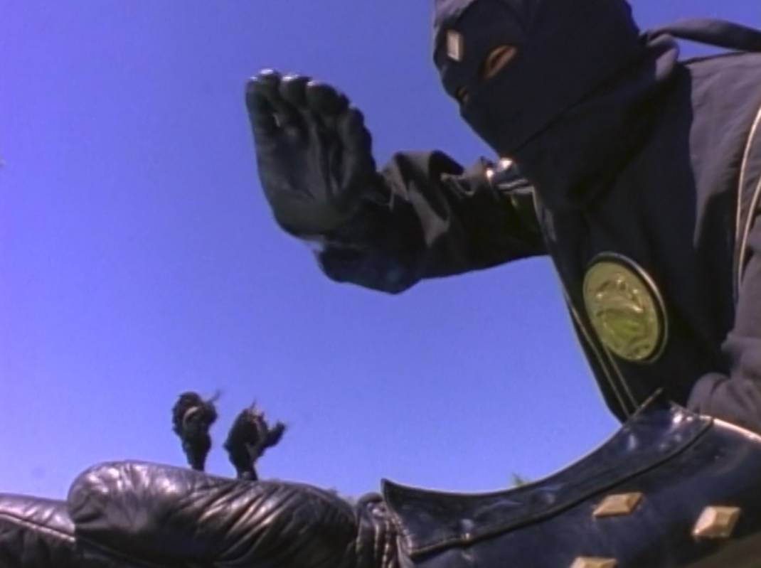 S03E21: A Changing Of The Zords Part 3
