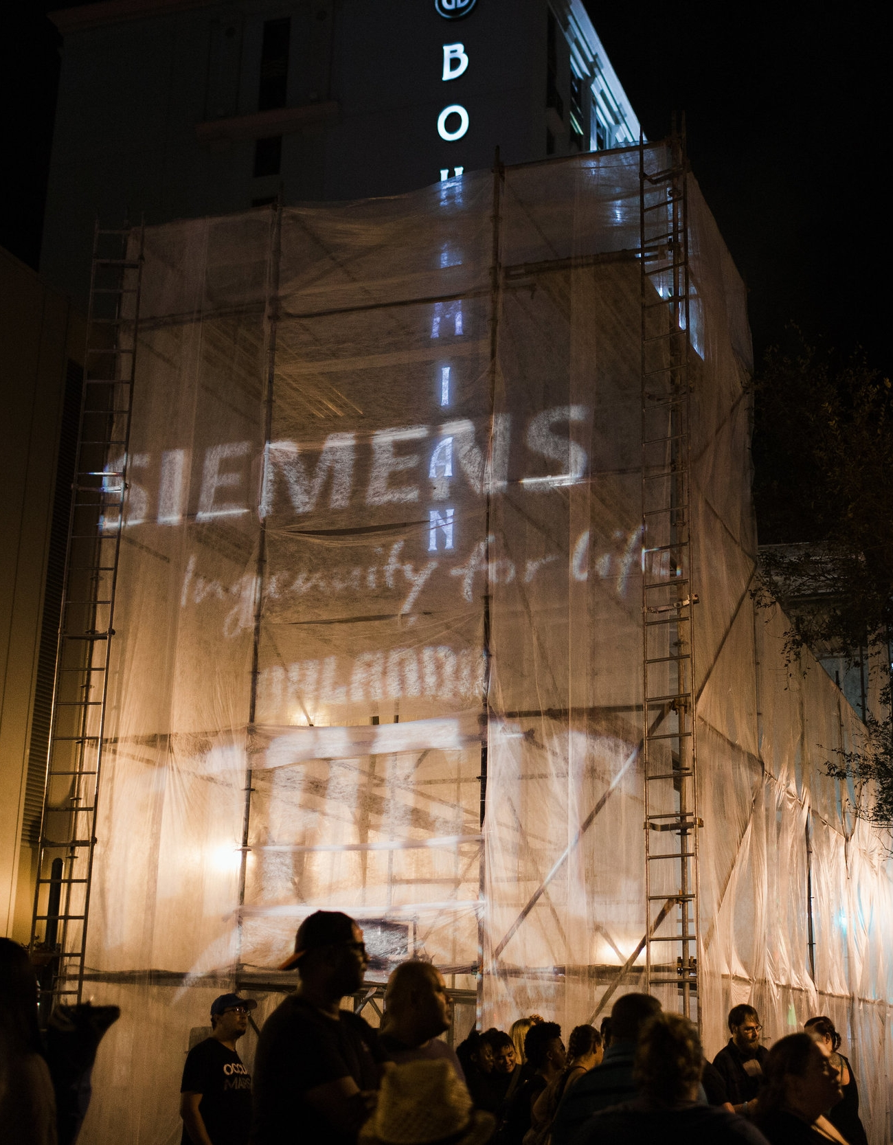 A three-story immersive projection installation sponsored by Siemens (photo : Vine and Light Photography)