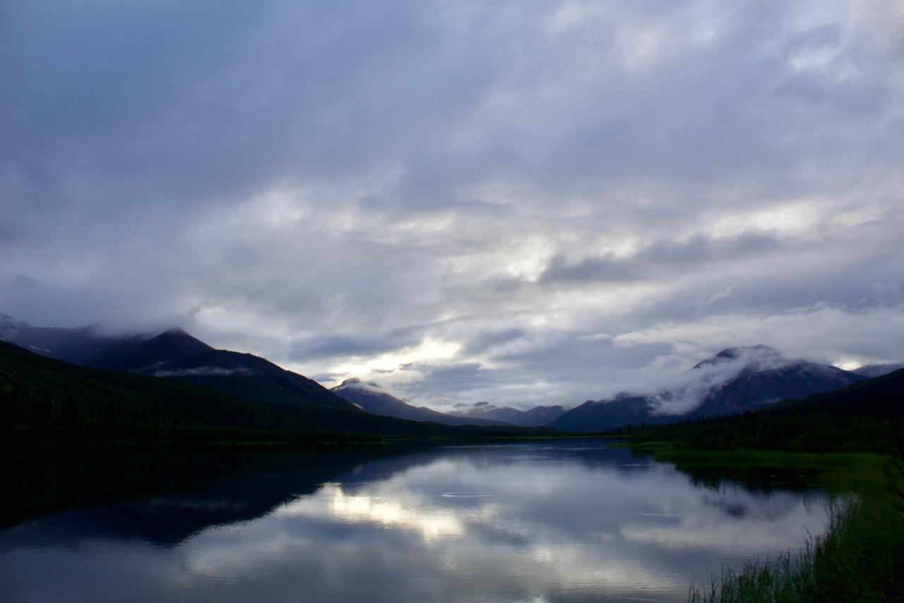 Mountain River Willowhandle Lake.jpg