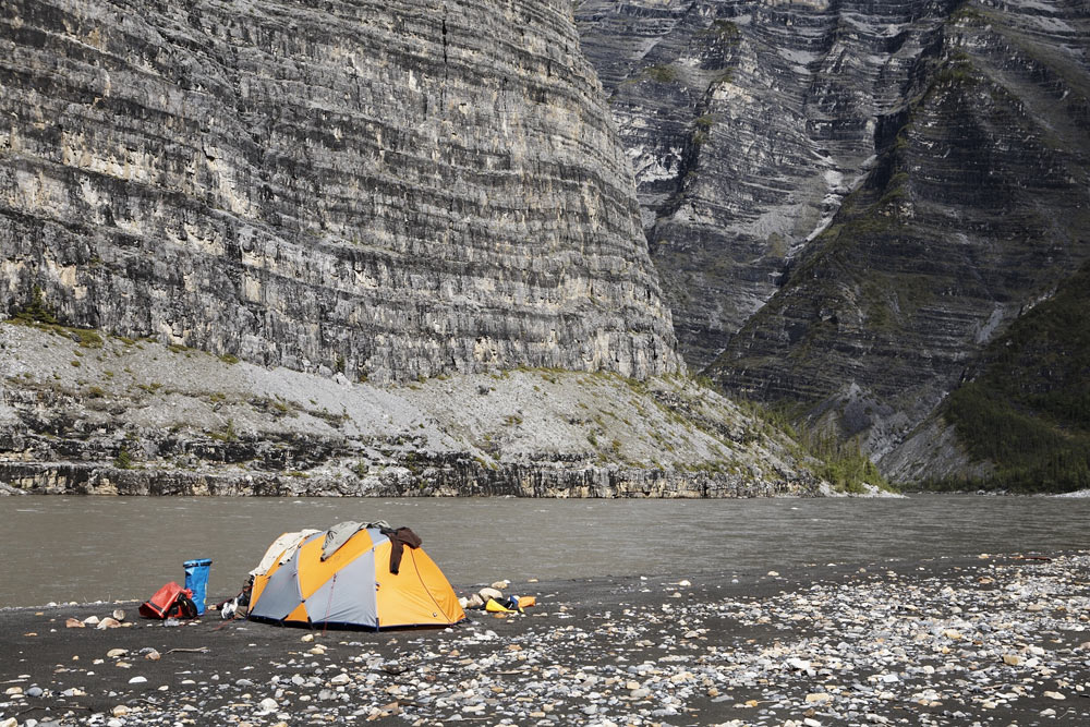 nahanni-two-week-canoe-gallery-11.jpg