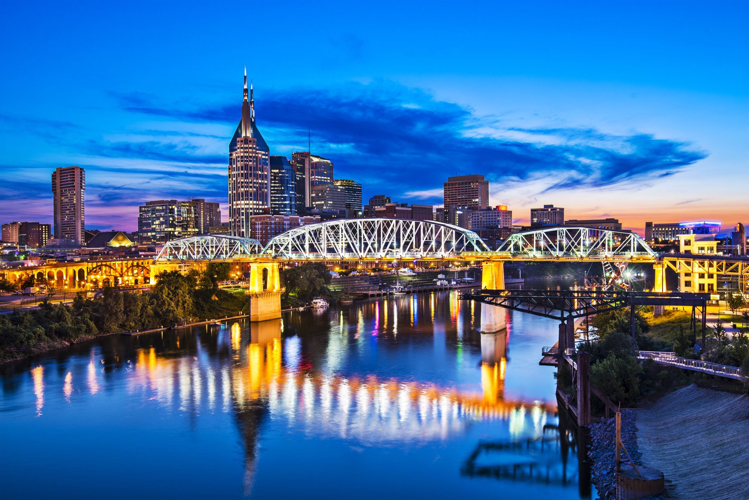 Nashville-23399667_l-Nashville-Tennessee-downtown-skyline-at-Shelby-Street-Bridge.jpg