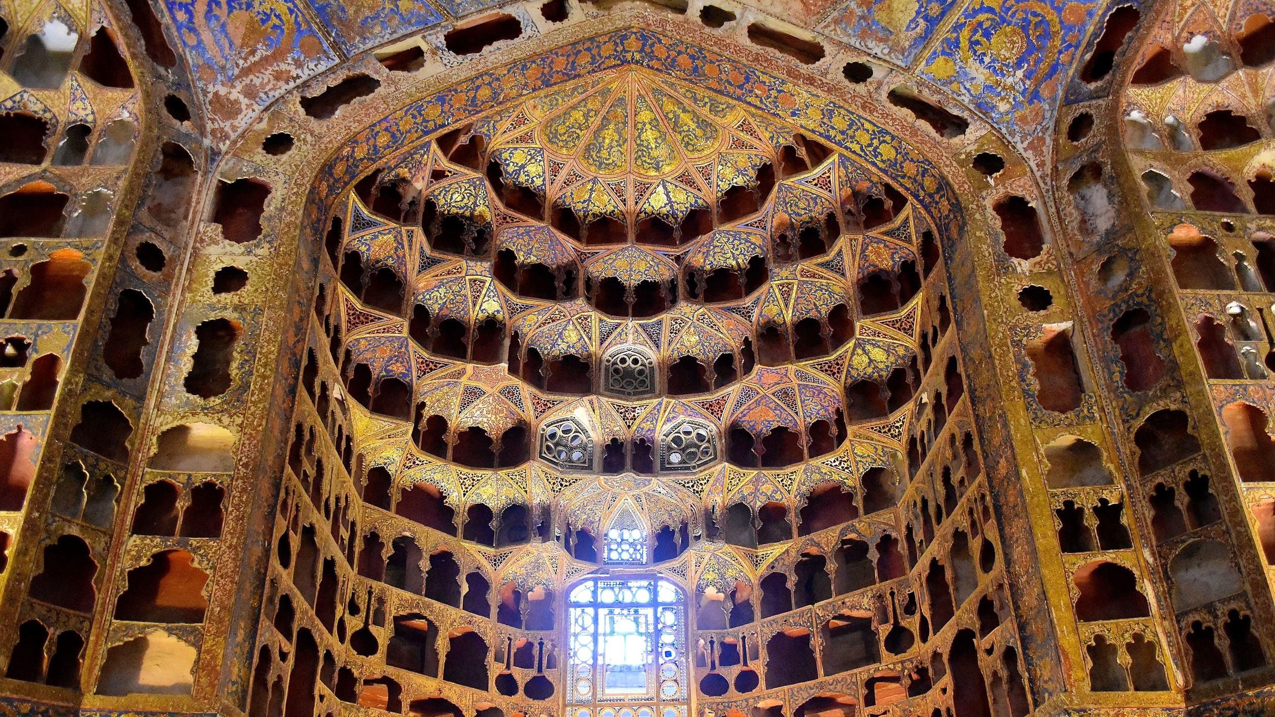 Iran-NW-Ardabil-Safi-od-Din-dome.jpg