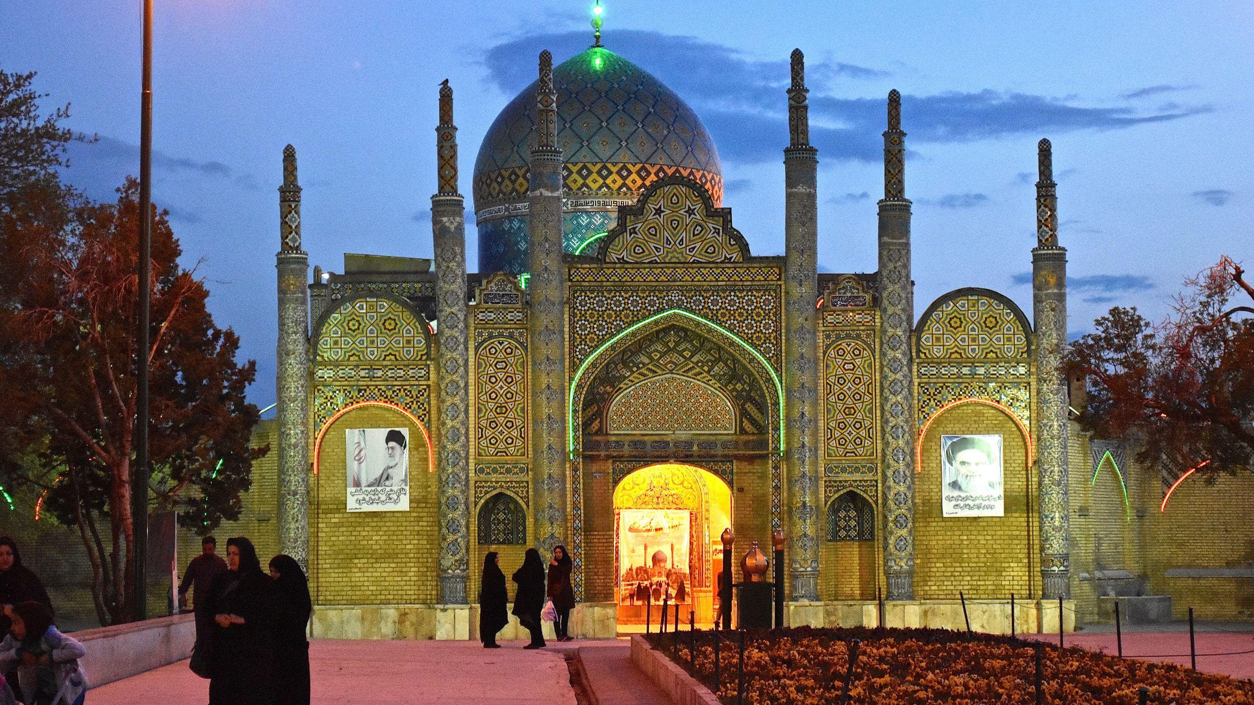 Iran-NW-Qazvin-Imamzadeh.jpg