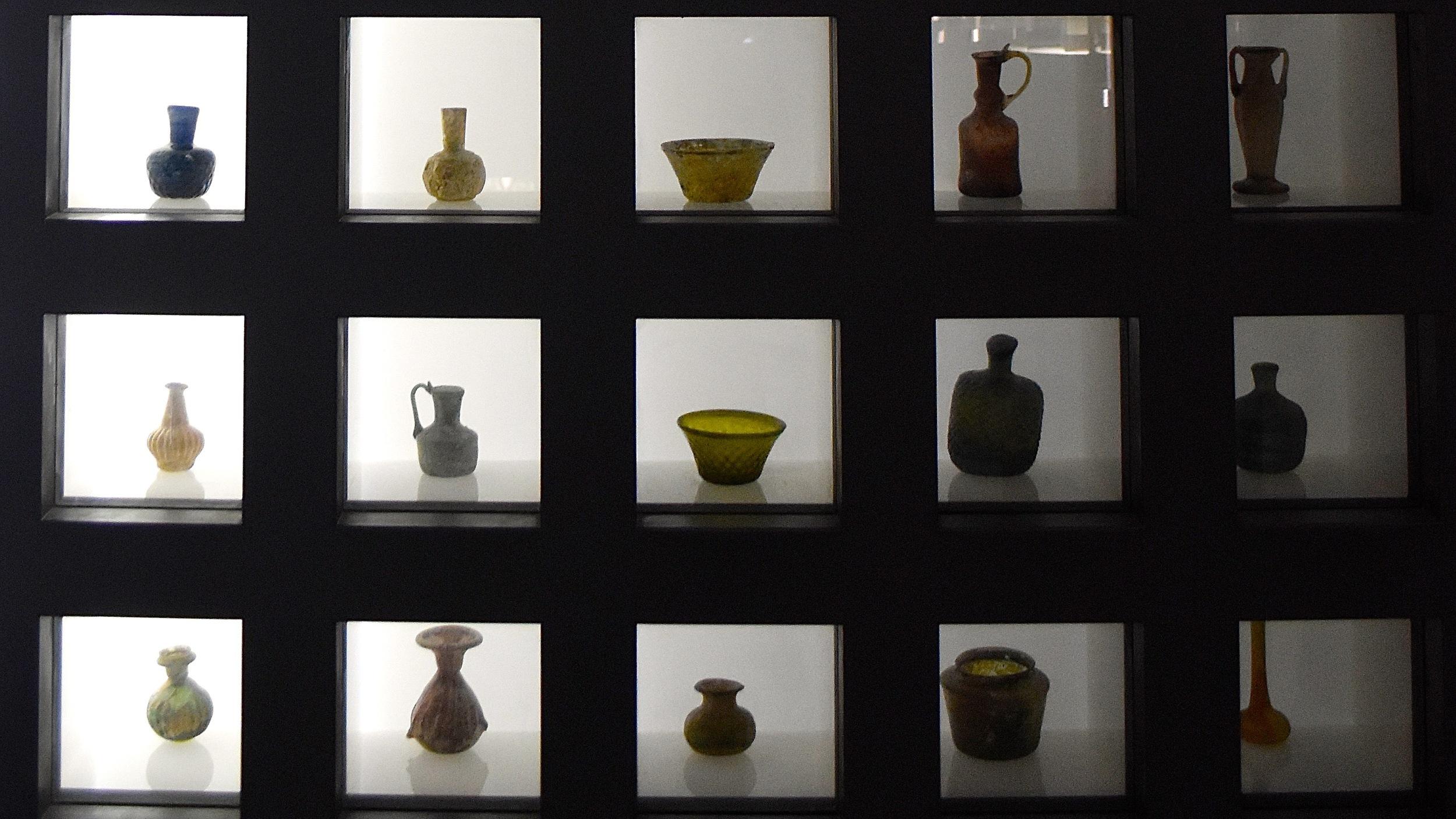 Iran-Tehran-Glass-Ceramics-Museum-shelf.jpg