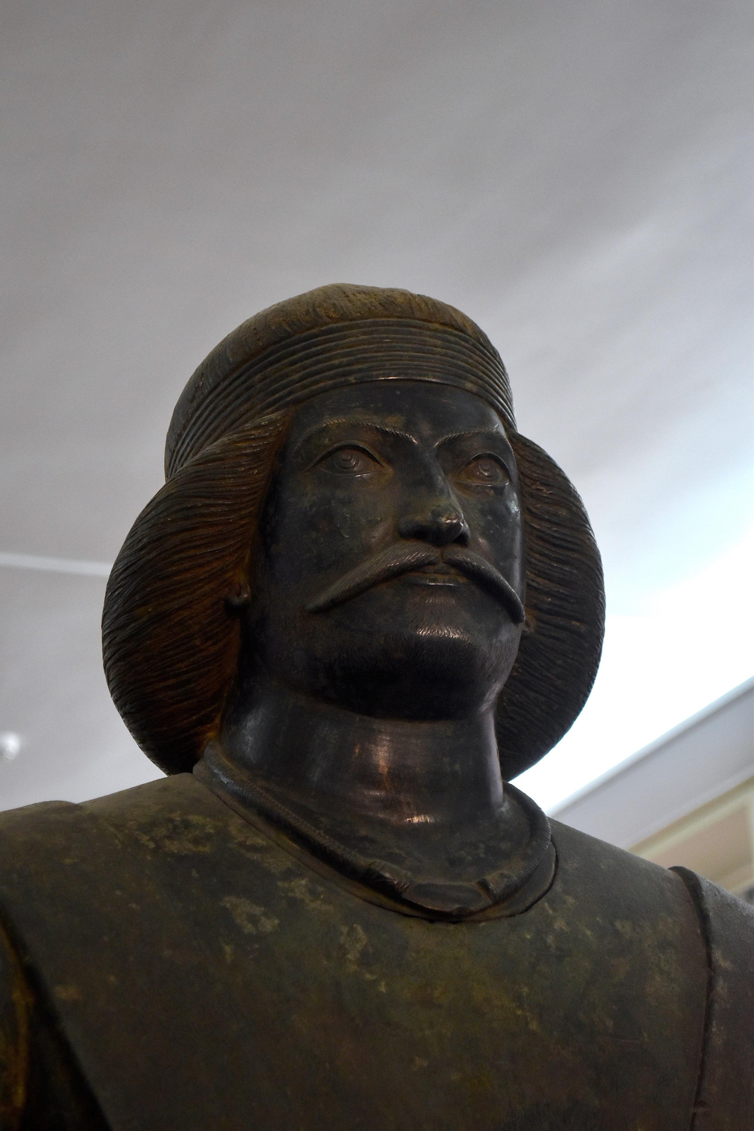 Iran-Tehran-National-Museum-Parthian.jpg